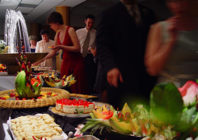 food-arrangements-with-cakes-and-salads