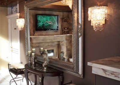 ballroom-party-hallway-with-large-mirror