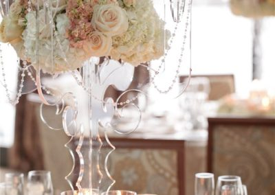 beautiful-ballroom-party-table