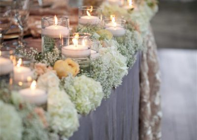 candles-on-a-party-table