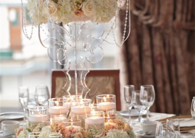 great-table-with-flowers