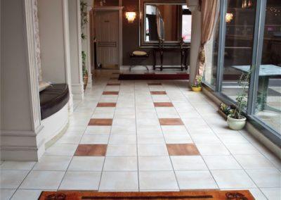 la-perla-ballroom-hallway