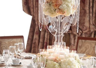 perfect-tables-with-flowers-ballroom-hall