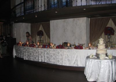 perfect-wedding-table-arrangement