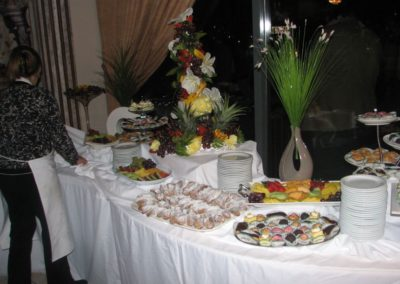 salad-and-dessert-table