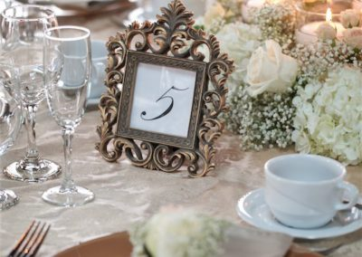 table-arrangements-flowers-and-candles