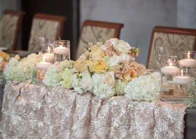 table-flowers-candles