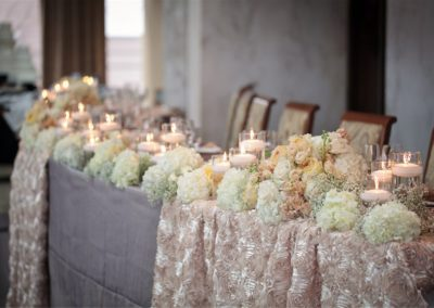 tables-with-flowers-decorations-ballroom-hall-4